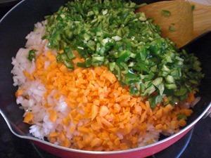 キーマカレーの作り方「野菜を炒める」