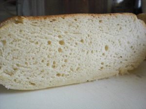 炊飯器で手作りパン「発酵不足の断面」